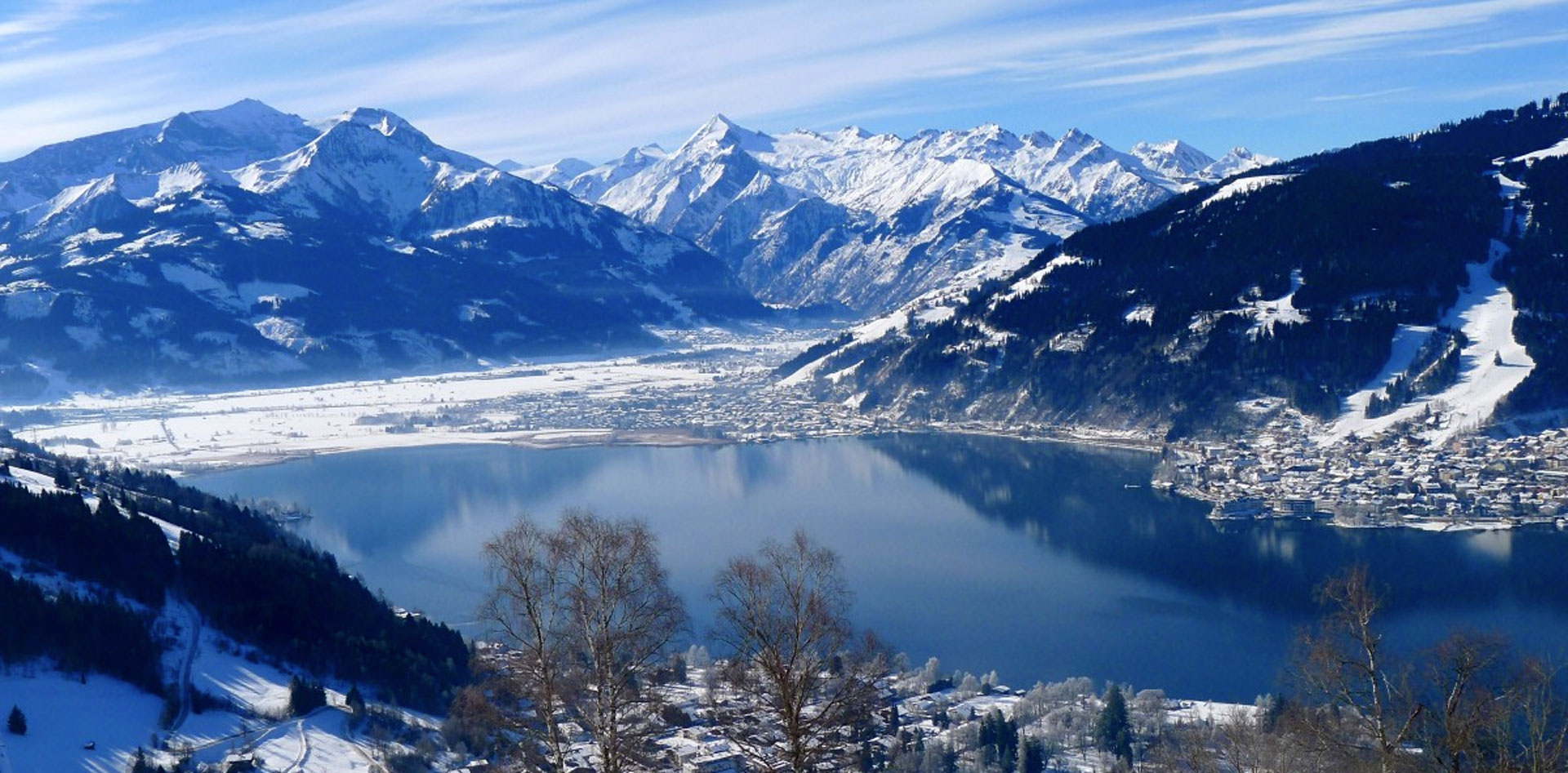 The ski resort of Zell am See, surrounded by mountains on the shore of lake Zell